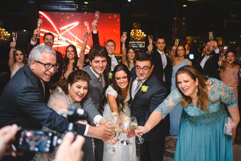 casamento-rustico-chique-brinde-paula-e-igor-foto-meliess-fotografia