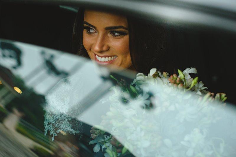 casamento-rustico-chique-chegada-da-noiva-paula-e-igor-foto-meliess-fotografia
