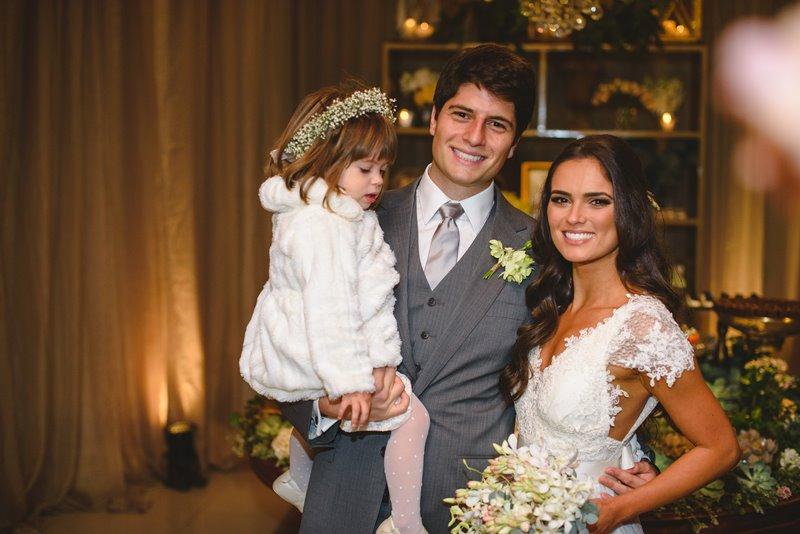 casamento-rustico-chique-daminha-paula-e-igor-foto-meliess-fotografia1