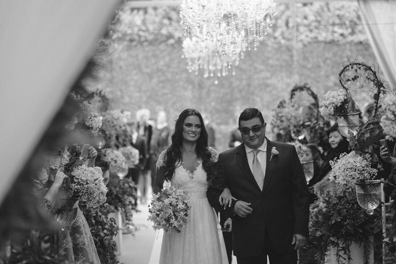 casamento-rustico-chique-entrada-da-noiva-paula-e-igor-foto-meliess-fotografia