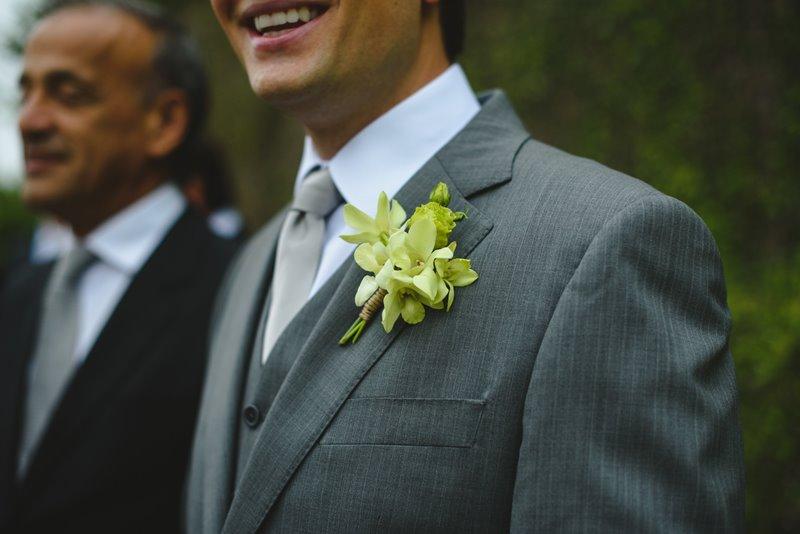 casamento-rustico-chique-lapela-para-noivo-paula-e-igor-foto-meliess-fotografia