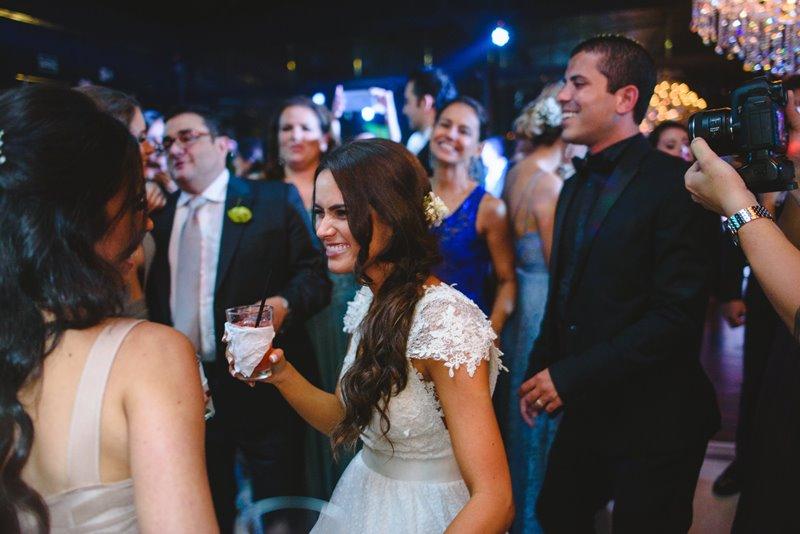 casamento-rustico-chique-noiva-na-pista-de-danca-paula-e-igor-foto-meliess-fotografia